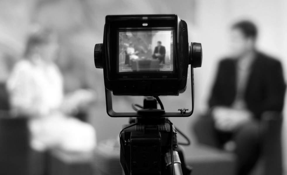 منع مذيعات في التلفزيون المصري من الظهور على الشاشة إلى حين انقاص وزنهن