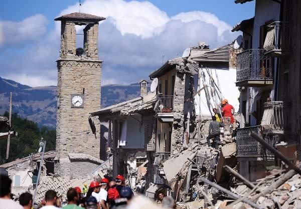 أكثر من 40 هزة ارتدادية ليلاً في إيطاليا بعد الزلزال