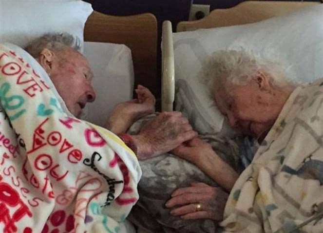 بعد 77 عاماً من الزواج.. فارقا الحياة يداً بيد