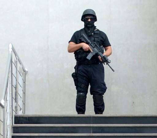 """السلطات المغربية تفكك """"خلية إرهابية"""""""