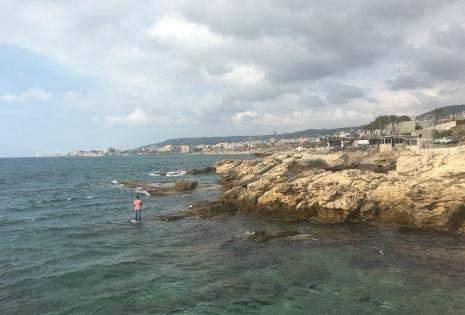 شاطئ كفرعبيدا: السطو على 37 ألف م2 من الملك العام