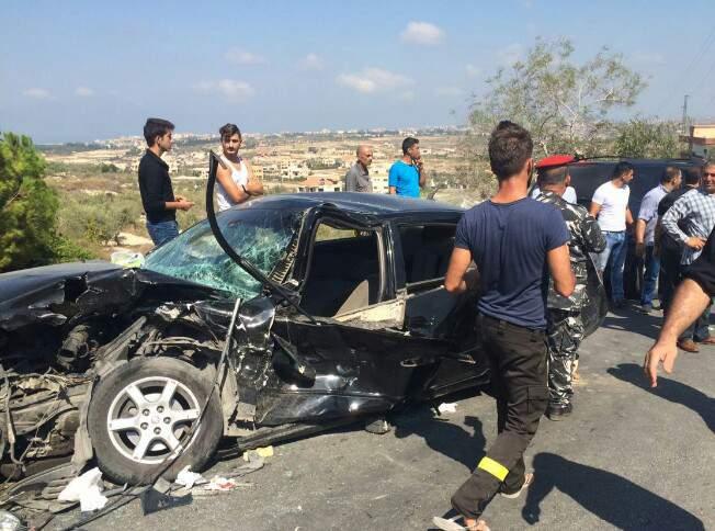 أربعة جرحى في حادث سير مروع على طريق عام عيتيت