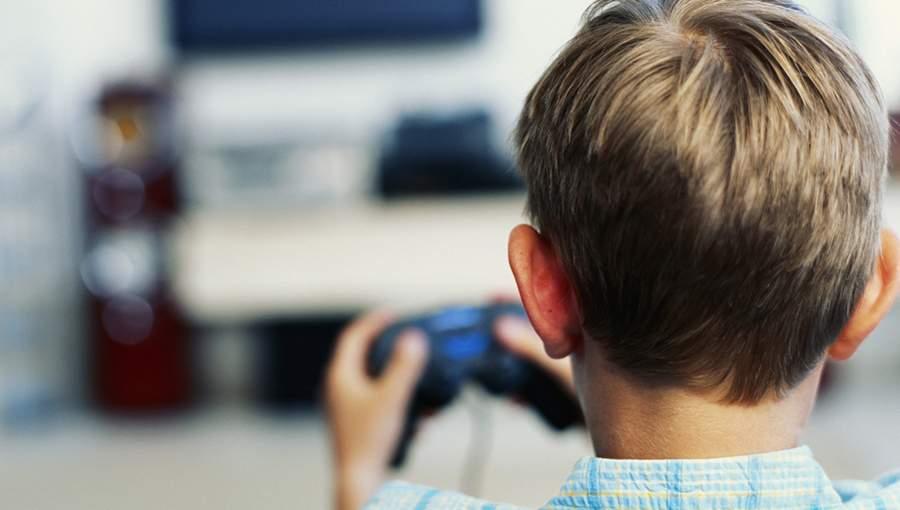 متى تكون ألعاب الفيديو خطرا على الأطفال؟