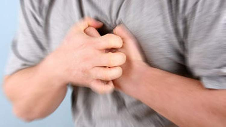 كيف ندرك باننا نتعرض لنوبة قلبية؟