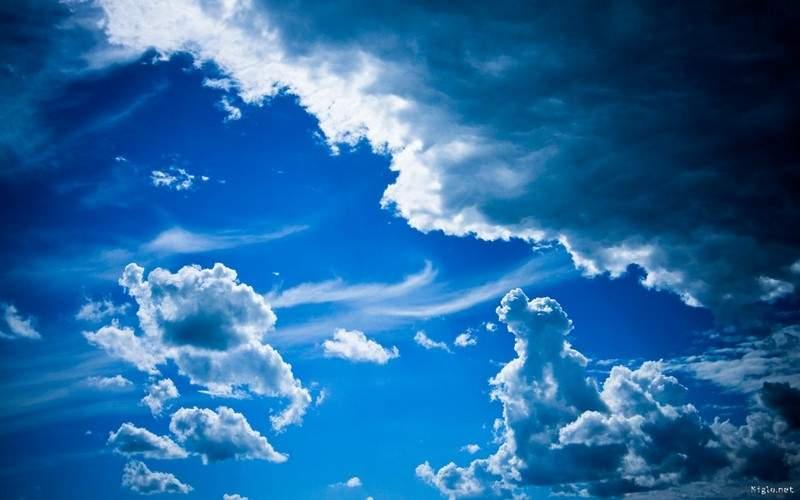 هل تساءلتم يوماً لماذا نرى السماء باللون الأزرق؟