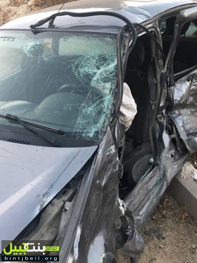 4 جرحى و حالة خطرة بحادث سير مروع على طريق بنت جبيل عيترون