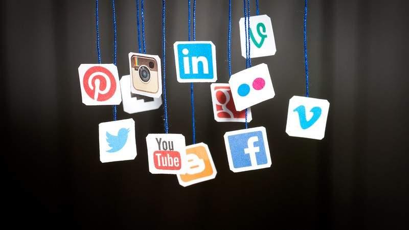 أي شبكة اجتماعية يفضّل العرب؟