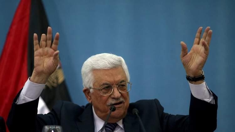 أنباء عن نقل عباس إلى المستشفى...والرئاسة تؤكد أن وضعه طبيعي