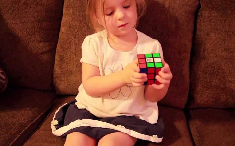 دراسة جديدة: الأبناء يرثون الذكاء من الأم و ليس من الأب