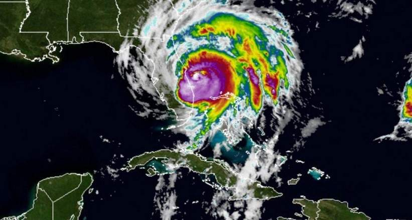 """بعد قضائه على هاييتي.. الإعصار """"ماثيو"""" يجتاح فلوريدا ويهدد بأضرار """"كارثية"""""""