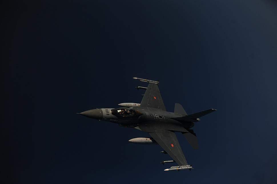 الطيران الحربي الاسرائيلي يحلق بشكل مكثف في اجواء الجنوب على علو متوسط