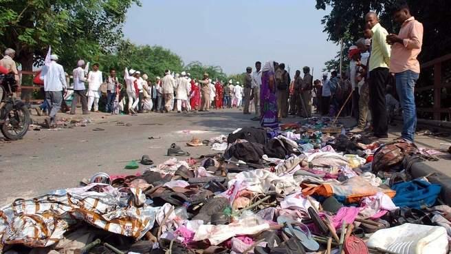 مقتل 24 شخصا في حادث تدافع في مدينة هندية