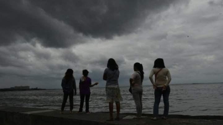 إجلاء آلاف الأشخاص بسبب اجتياح إعصار ساريكا القوي لأكبر جزر الفلبين