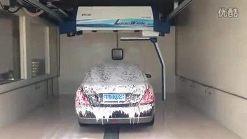 شاهدوا بالفيديو - الصينيون يغسلون سياراتهم بدقيقتين فقط!
