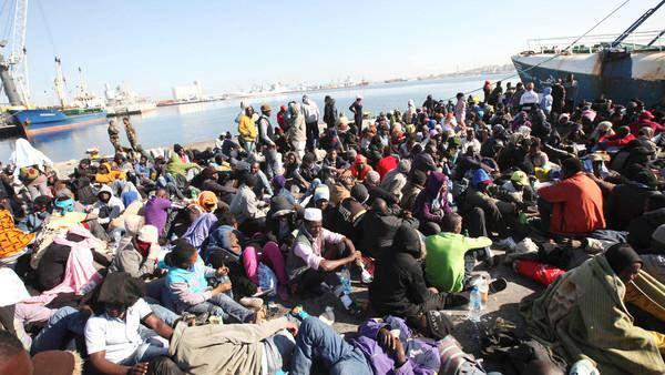 القبض على 300 مشتبه بتورطهم في تهريب البشر والكوكايين بأوروبا