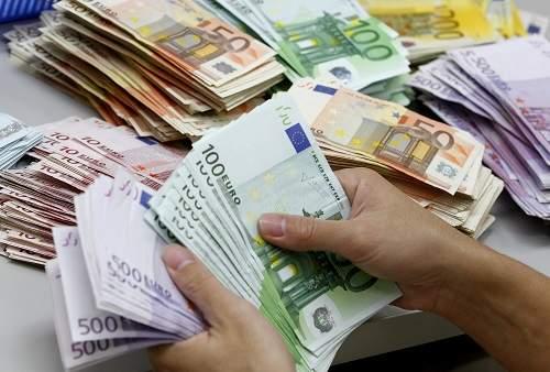 """العثور على """"13 مليون يورو"""" في قاع سد مائي"""