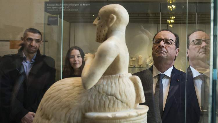 هولاند يقترح حفظ التراث المهدد في سوريا والعراق في متحف اللوفر
