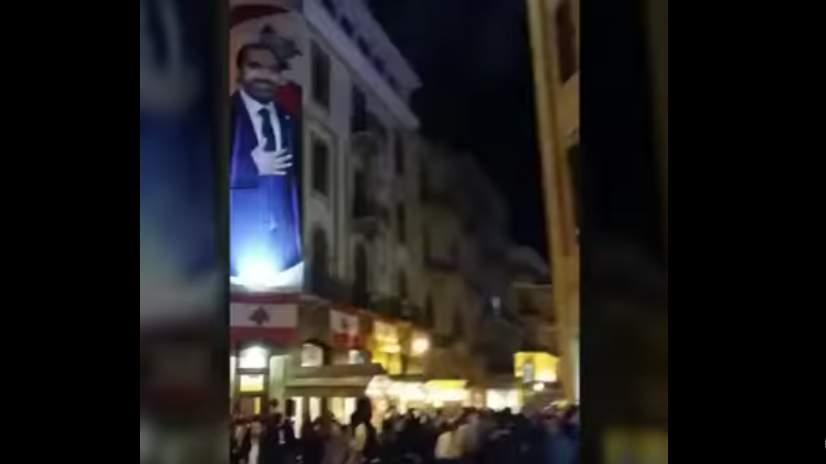 بالفيديو، إنفجار العاب نارية في وسط بيروت وجرح مواطن