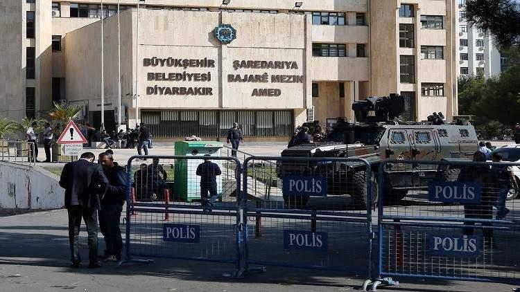 انفجار قرب مبنى تابع لمديرية الأمن في دياربكر شرقي تركيا