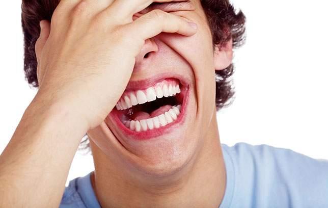 9 أشخاص ماتوا من شدة الضحك