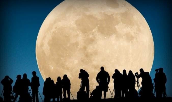 خرافات ارتبطت بـ القمر المكتمل البدر لا تصدقها!