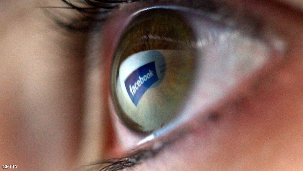 """غوغل وفيسبوك.. عقوبات على """"مواقع الكذب"""""""