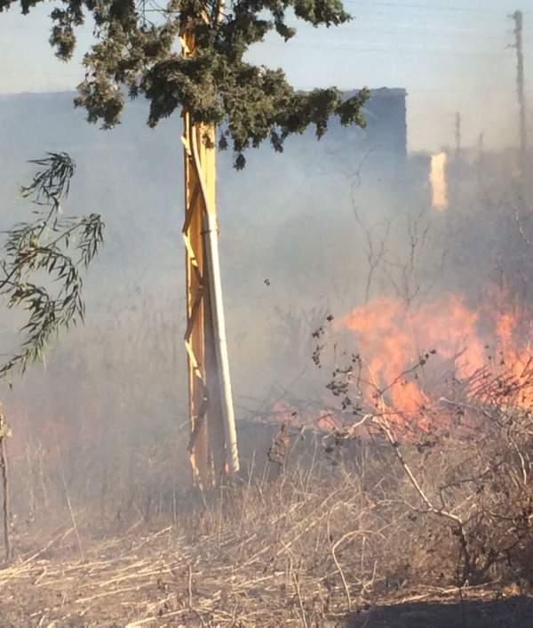 اندلاع حريق في صور وفرق الدفاع المدني تعمل على اخماده
