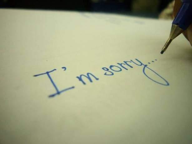 في لندن- كلمة sorry لا تعني الاعتذار! ولهذه الأسباب الغريبة يقولها البريطانيون