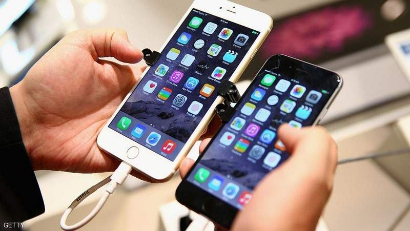 """إلى مستخدمي """"آيفون"""".. 7 طرق لشحن هاتفك بطريقة أسرع"""