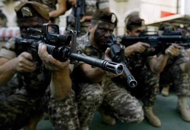 الجيش: استشهاد عسكري وجرح آخر بعد تعرض حاجز للجيش في الضنية لإطلاق نار