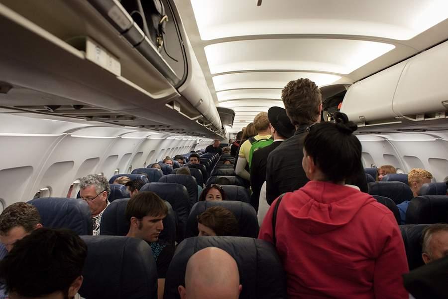 المسافرون غير المنضبطين يشكلون أكبر مصدر للقلق لدى شركات الطيران!