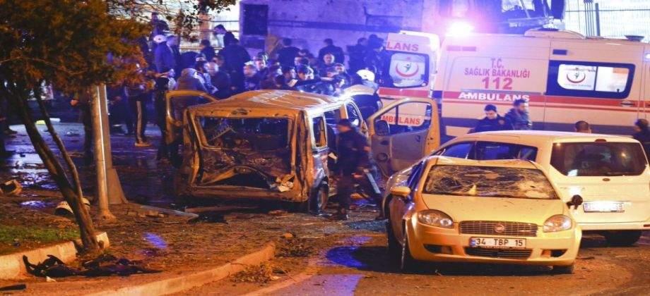 ارتفاع عدد ضحايا التفجير المزدوج في اسطنبول الى 38 شخصًا بينهم 30 من رجال الشرطة