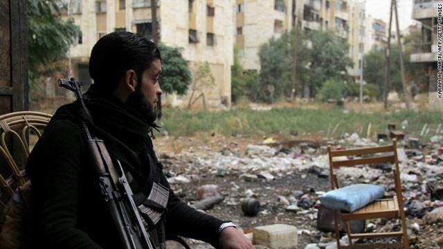 بالفيديو / مشاهد صادمة لمسلحين سلموا انفسهم في حلب.. ماذا كانوا يتعاطون ؟