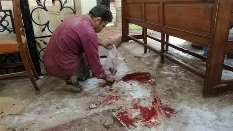 """بالفيديو: لحظة دخول الإرهابي إلى كنيسة """"البطرسية"""" وتفجير نفسه !"""