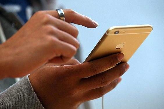 """""""آبل"""" ممنوعة من استخدام الهواتف المعاد تجديدها كبدائل"""