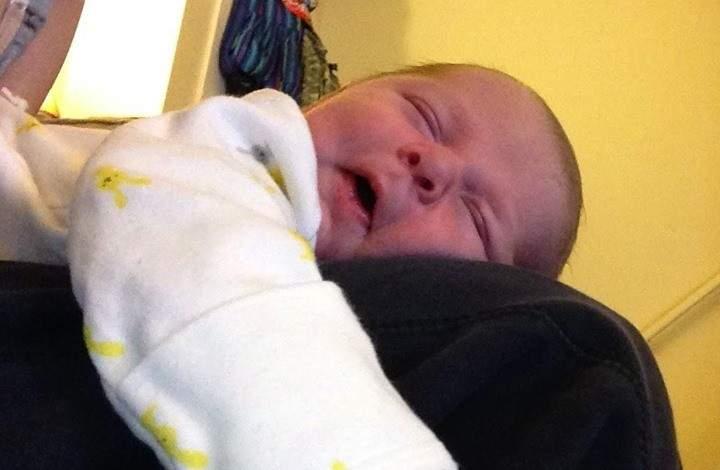 تحذير خطير.. نام الرضيع إلى جانب أمه فمات!