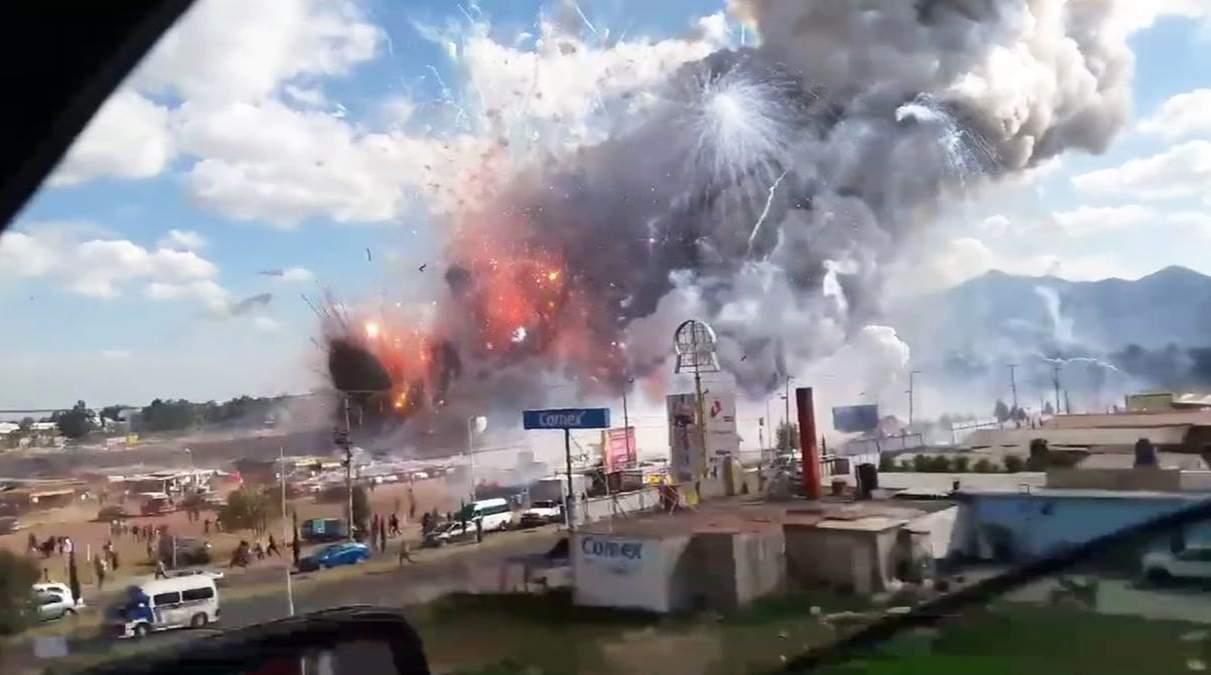 بالفيديو/ انفجار سوق للألعاب النارية يوقع 26 قتيلا