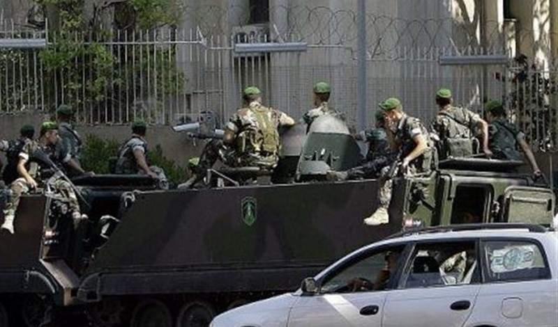 القوى الأمنية تحيط بسفارات قي بيروت...
