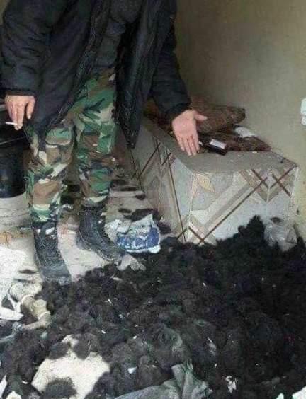 بالصورة / دواعش حلقوا دقونهم قبل القرار من حلب