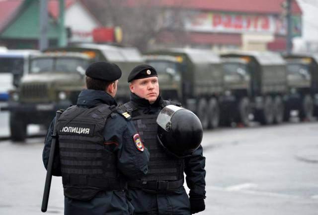 الشرطة الروسية تخلي 3 محطات للقطار في موسكو بعد تهديدات بوجود قنابل