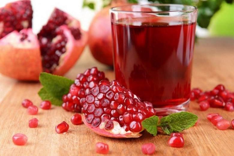عصير الرمان علاج فعّال لخفض الكوليسترول وضغط الدم.