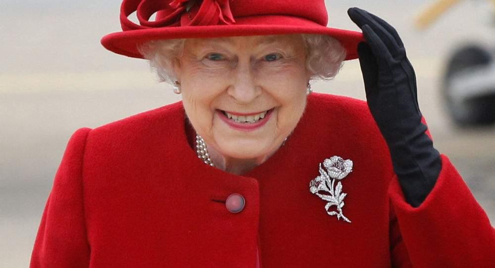 """""""تويتر"""" ينشر خبر وفاة ملكة بريطانيا!"""