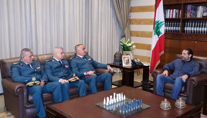 الرئيس الحريري تسلم من وفد قيادة الجيش دعوة لحضور العرض العسكري في وزارة الدفاع لمناسبة الاستقلال