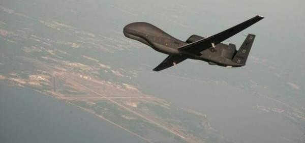 طائرة تجسس إسرائيلية من دون طيار تجري عملية مسح وتصوير للمنطقة مقابل كروم الشراقي