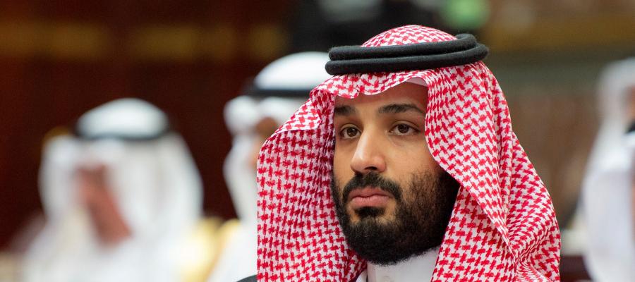 """رويترز:  بن سلمان بنى قصراً بـ2 مليار دولار على البحر الأحمر ليكون كـ""""قفصاً مطلياً بالذهب"""" لوالده"""