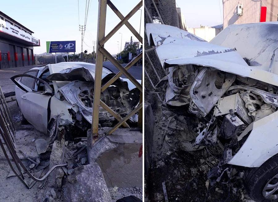 بالصور/ حادث مروّع على طريق عام البرغلية - صور ينهي حياة شابين...انحرفت بهما السيارة واصطدمت بعامود إنارة