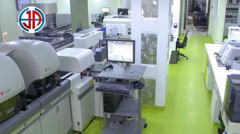 مستشفى جبل عامل بالتعاون مع شركة Beck-man Coulter تضع في خدمتكم المختبر الآلي الأول في لبنان