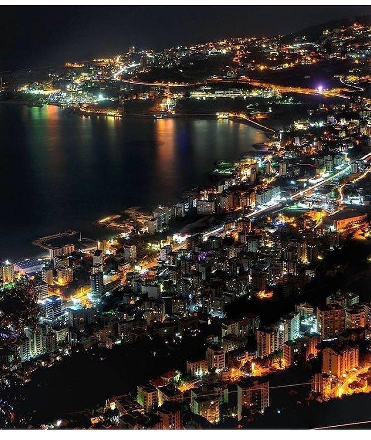 مصر تعلن انها مستعدة لتزويد لبنان بكامل طاقته الكهربائية