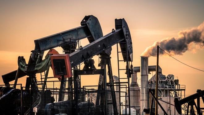 صحيفة وول ستريت جورنال: السعودية أوقفت نحو نصف إنتاجها من النفط بعد الهجمات على المنشآت نفطية