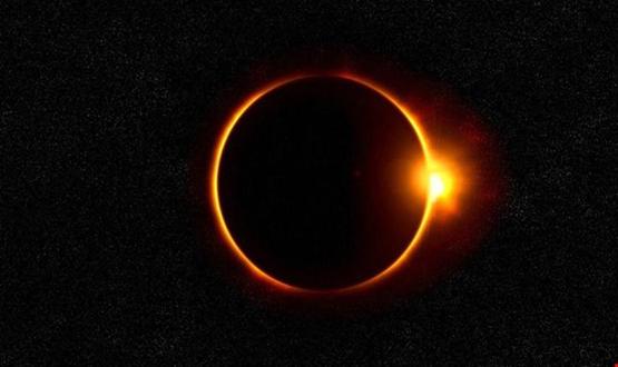 """ظاهرة فلكية نادرة الحدوث...""""عاصفة شمسية """"يمكن أن تغرق الأرض بظلام دامس لأيام!"""